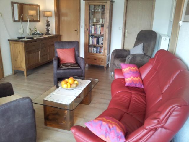 Wohnzimmer mit Flachbildfernseher Internet WIFI WLAN