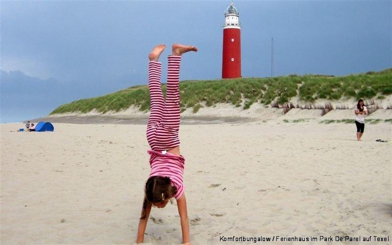 Handstand am Leuchtturm